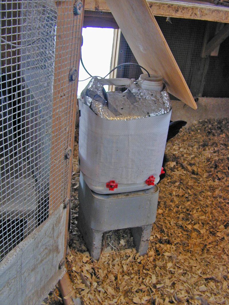 Heated Waterer Winter 12-14-17.JPG