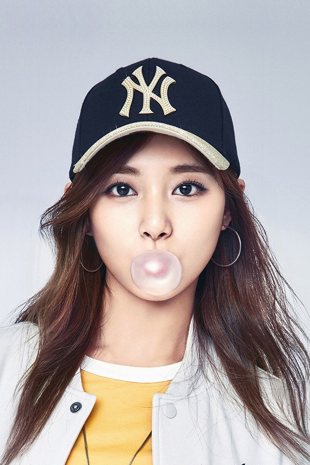 papers.co-hm93-kpop-girl-tzuyu-mlb-bubble-asian-2-wallpaper.jpg