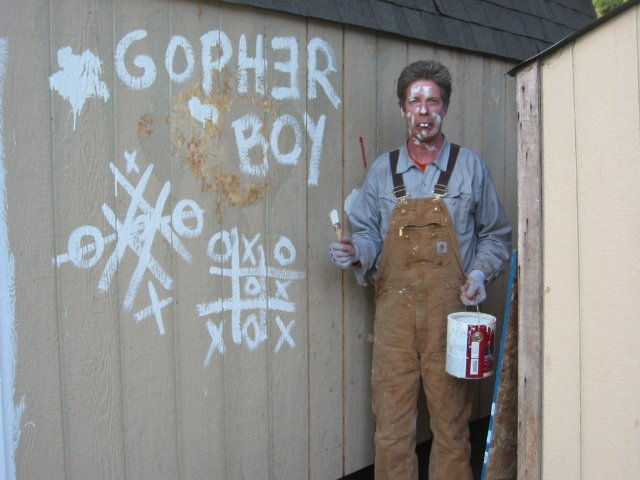 http://i255.photobucket.com/albums/hh137/gopherboypeeps/Barn%20Coop/100_0006-4.jpg