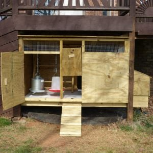the finished coop  - now to build the run enclosing it