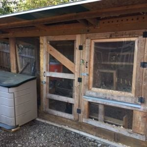 photos of the enclosed coop/run