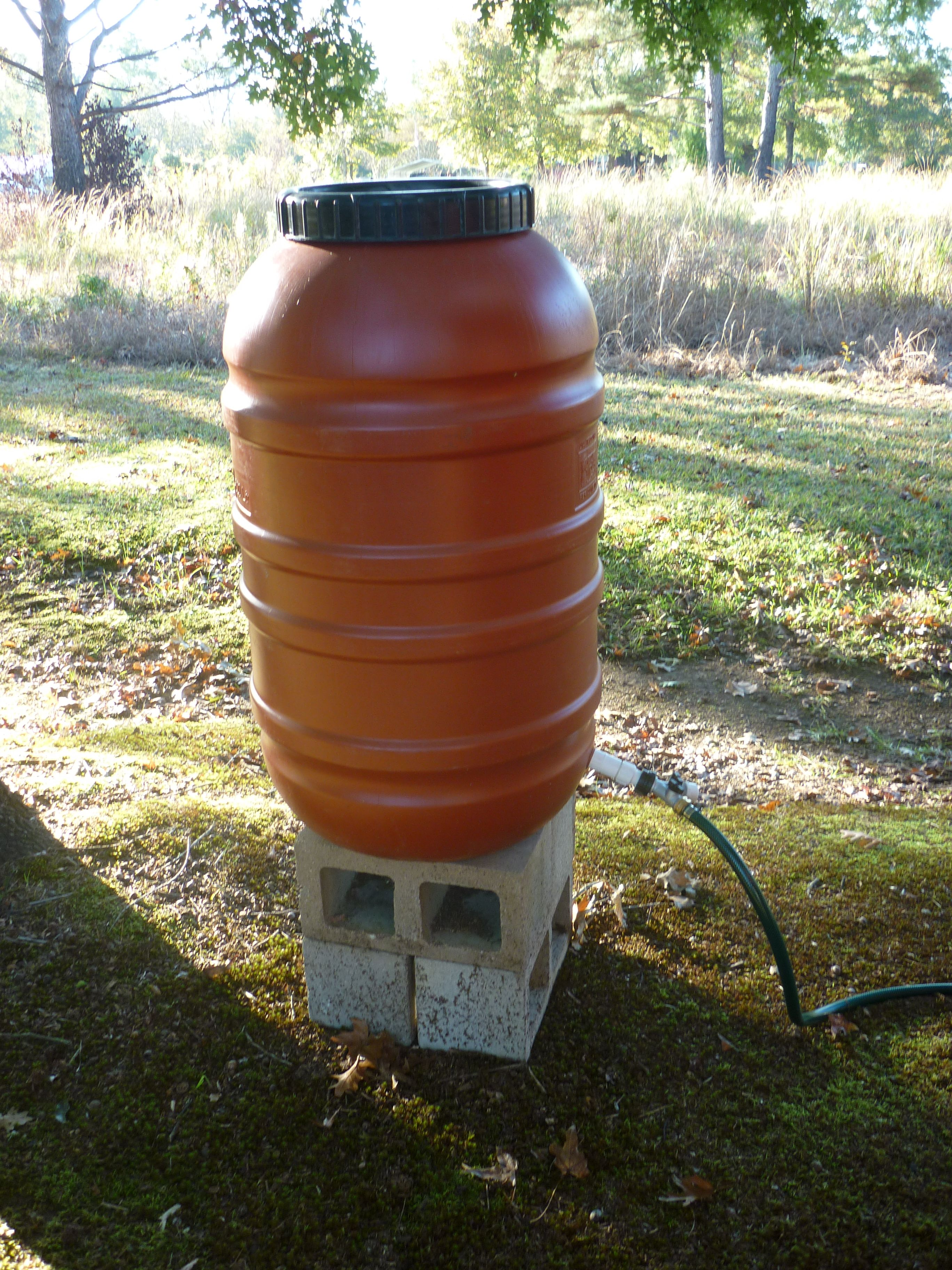 Another photo of the water barrel.  It has a screw-on lid to keep out dirt and debris.
