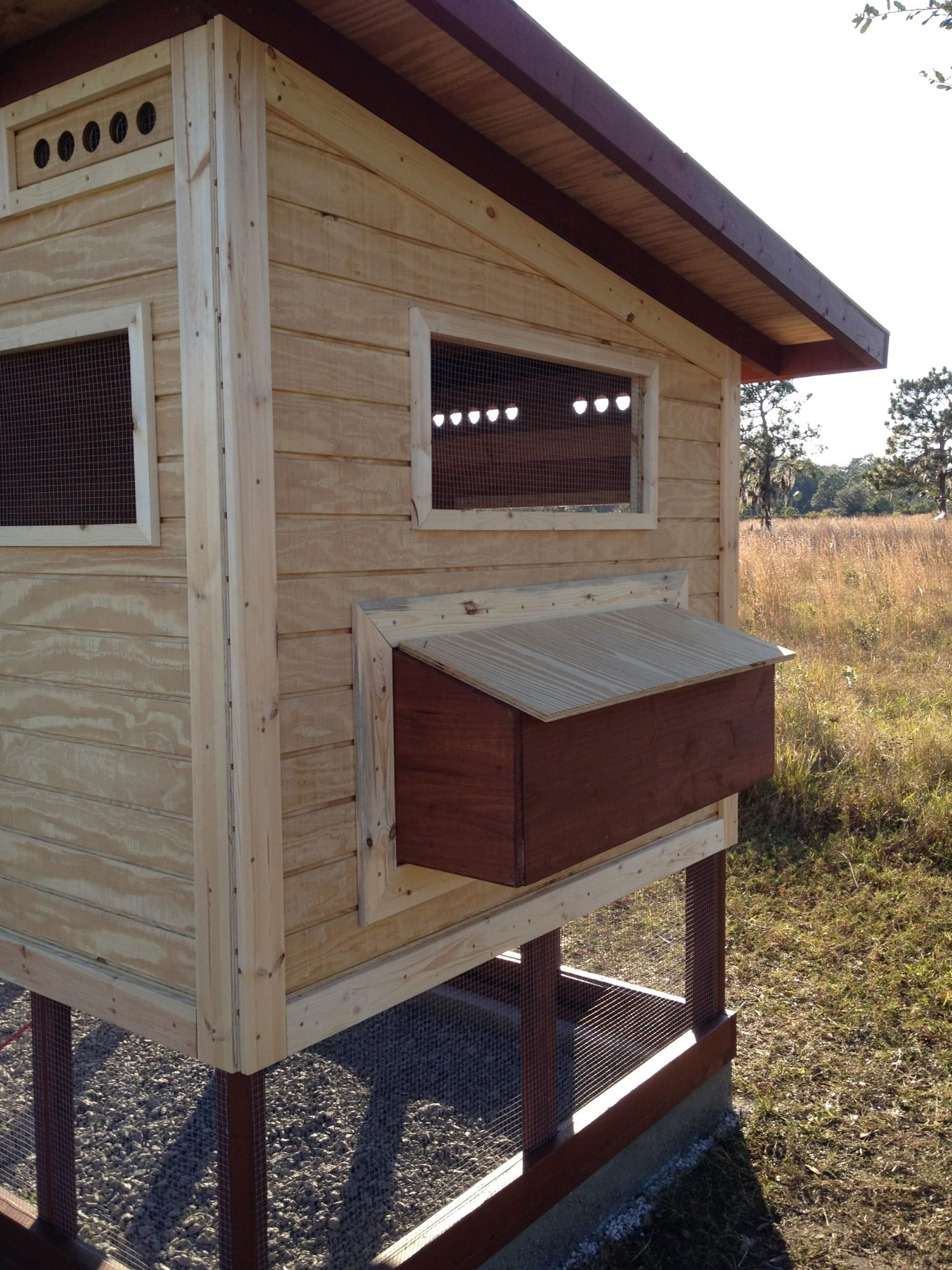 nesting box side wall