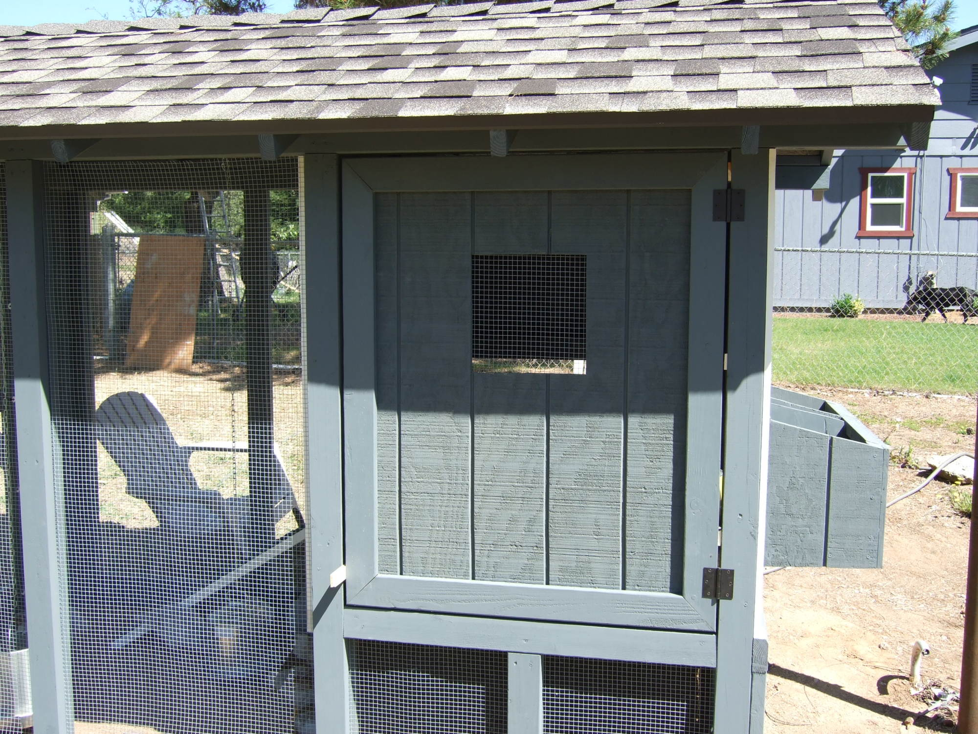 Chicken Coop 04-21-2012 002.JPG