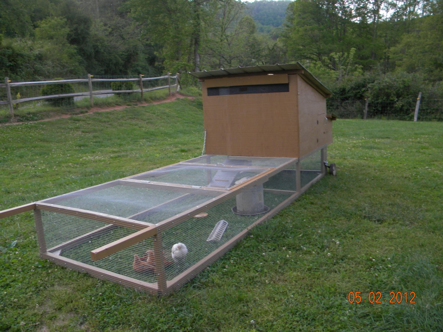 On golden coop backyard chickens community for Mobile chicken coop plans