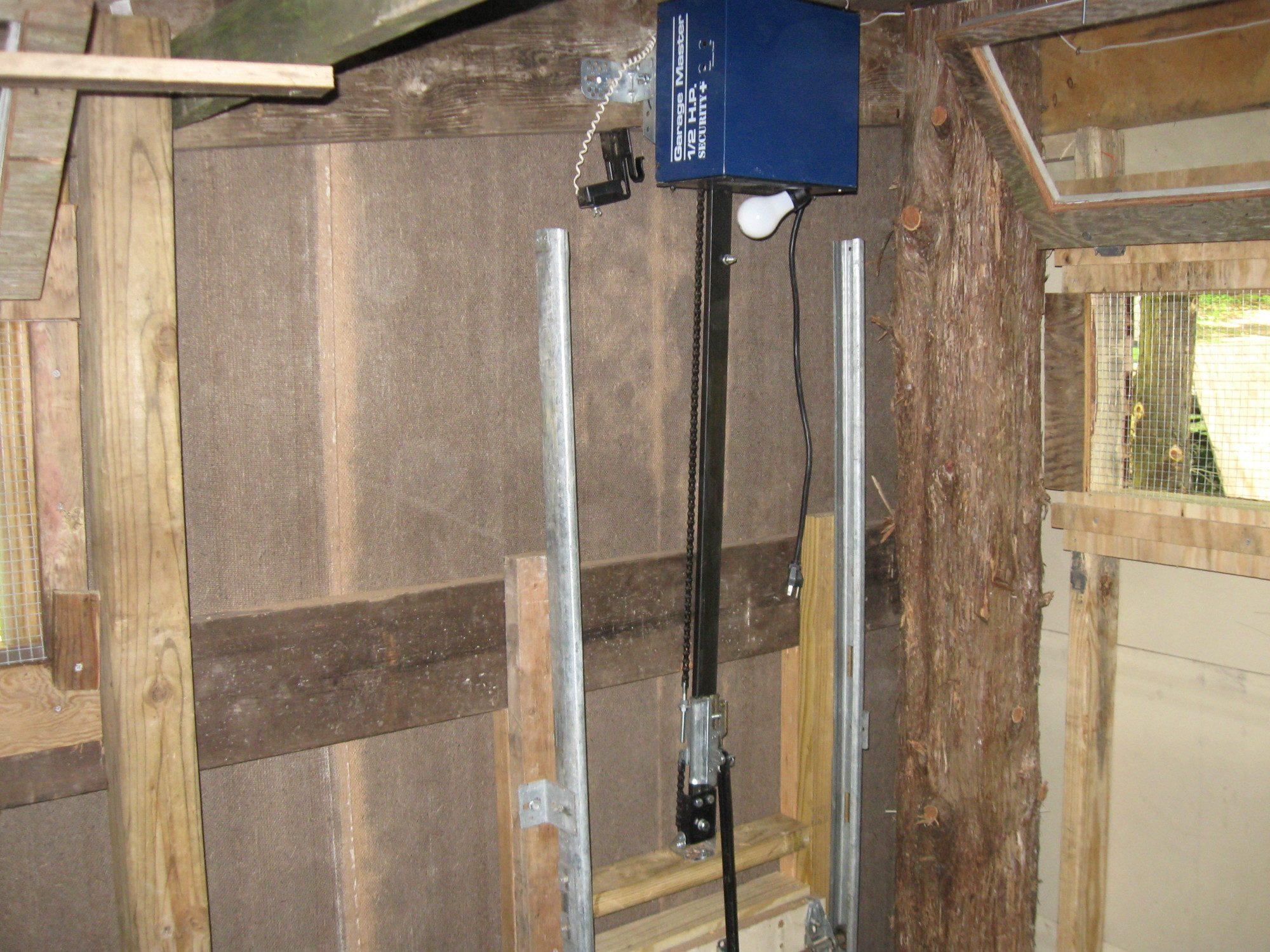Automatic coop door opener