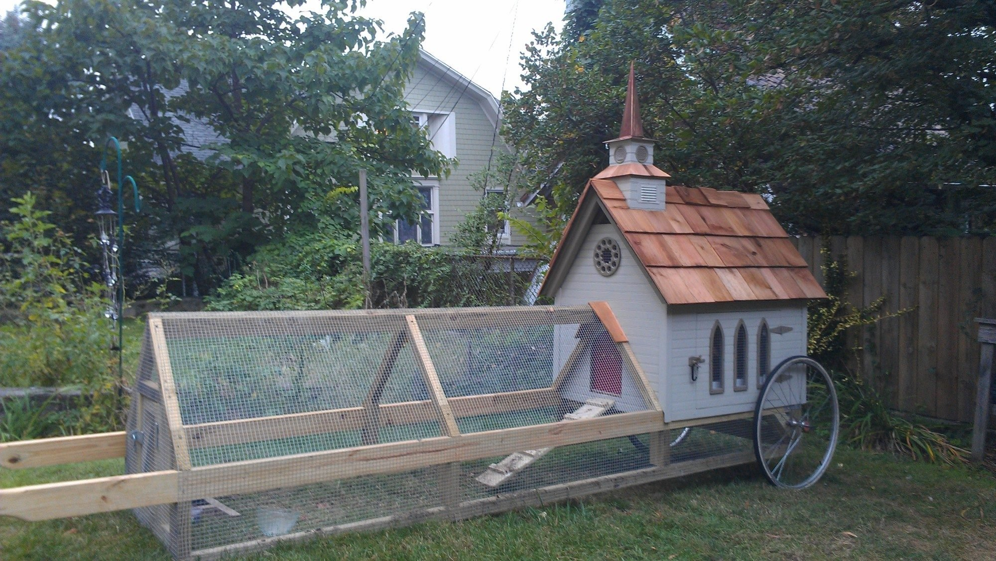 The Wee Kirk Coop Backyard Chickens Community
