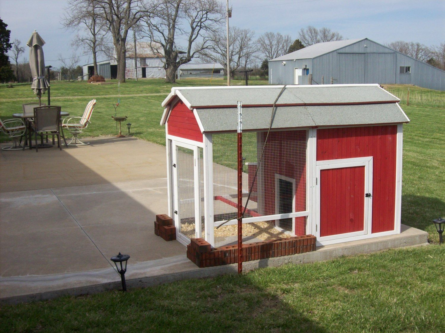 Old red barn chicken coop for Red chicken coop