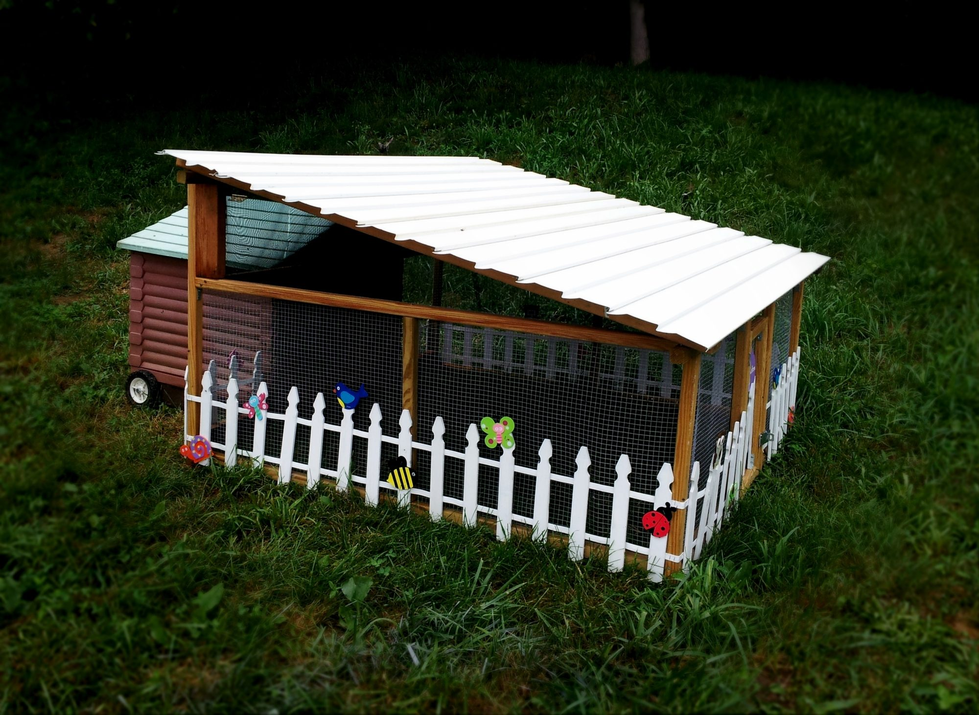 how to build little fence