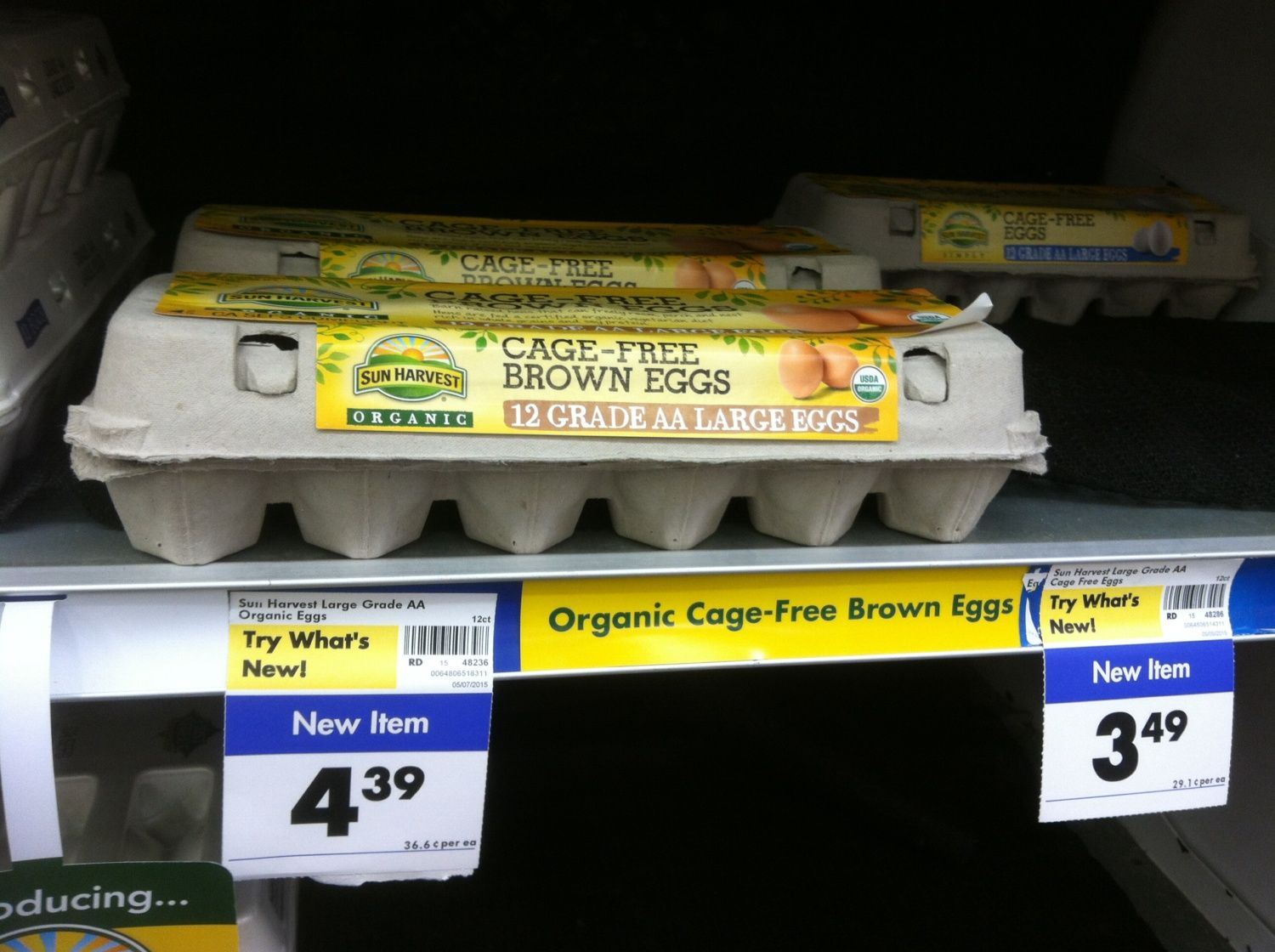 bout how much does one sell a dozen farm fresh eggs ...