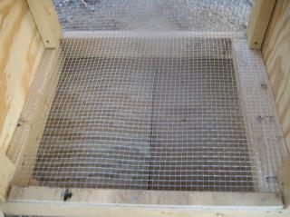 http://www.backyardchickens.com/forum/uploads/13683_chickens_hospital_004.jpg