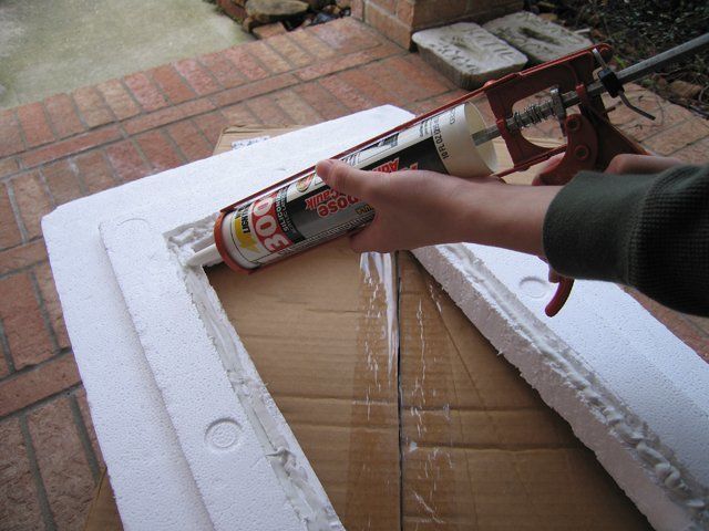 Caulking the Lid