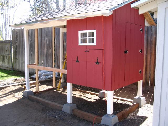 Chicken Coop Deluxe Backyard Chickens Learn How To Raise Chickens