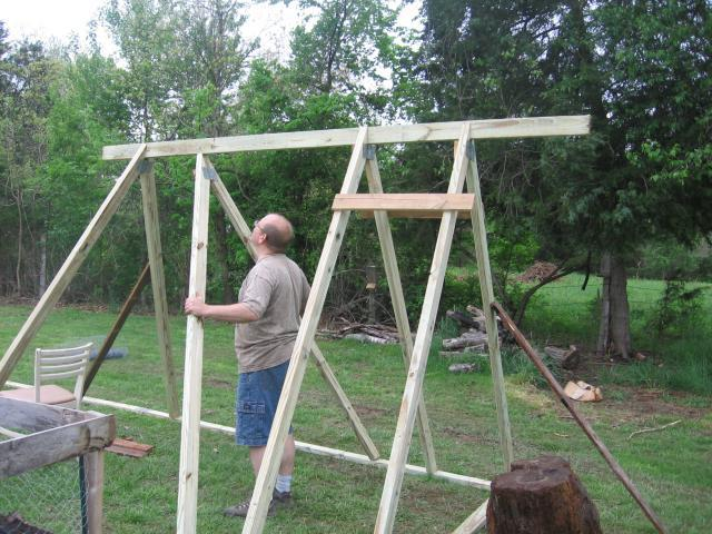 http://www.backyardchickens.com/forum/uploads/28411_starting_framing.jpg