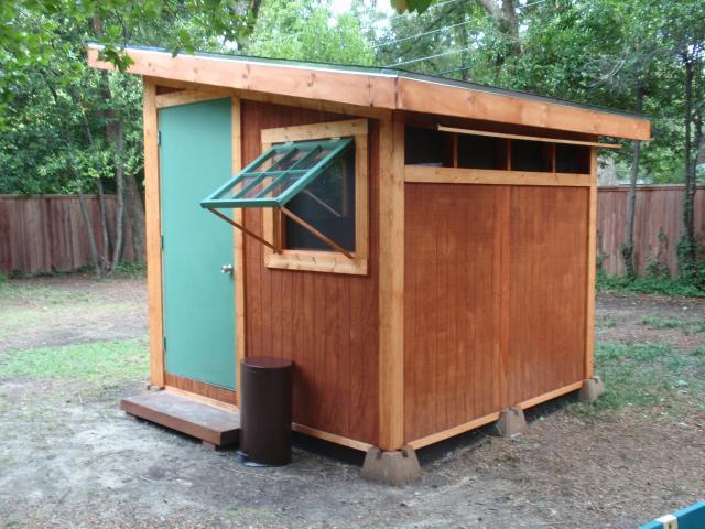 http://www.backyardchickens.com/forum/uploads/32217_side_door.jpg