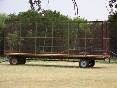 http://www.backyardchickens.com/forum/uploads/37917_trailer.jpg