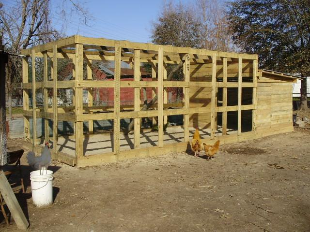 Pallet chicken coop ideas backyard chickens Chicken coop from pallet wood