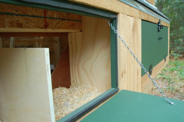 http://www.backyardchickens.com/forum/uploads/69010_bantam_coop-nest_box_gasket_002.jpg