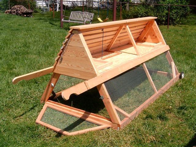 Chickieberryfarms chicken coop tractor backyard chickens for Chicken coop designs for 3 chickens