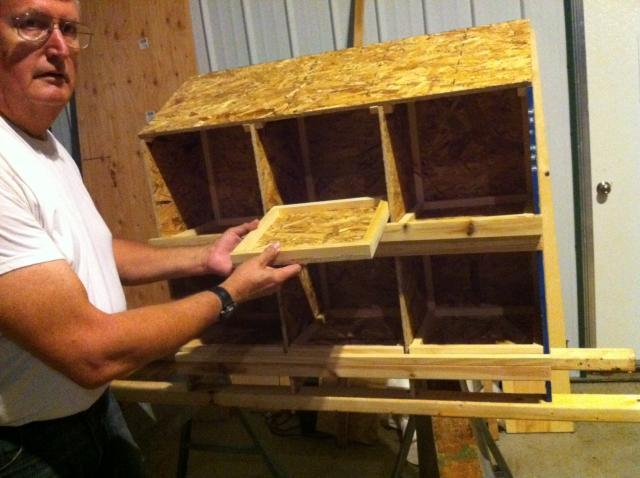 Chicken Nest Box w/Removable Bottom