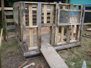 http://www.backyardchickens.com/forum/uploads/95961_gedc0552.jpg