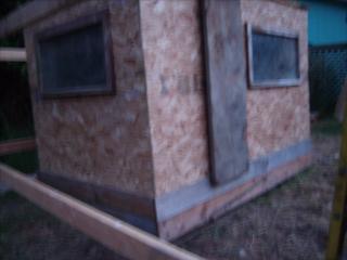 http://www.backyardchickens.com/forum/uploads/95961_gedc0572.jpg