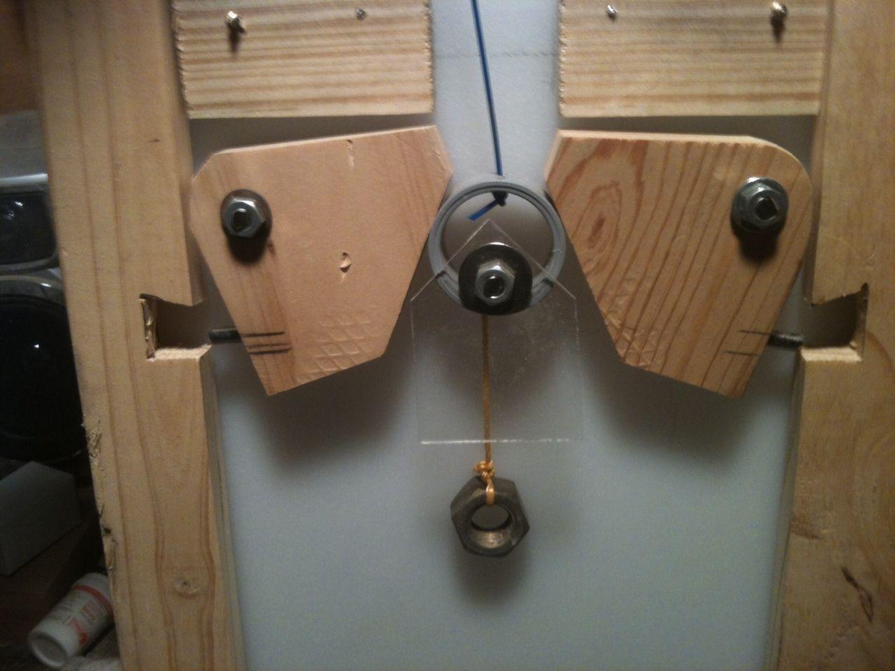 http://www.backyardchickens.com/forum/uploads/98066_autodoor2.jpg