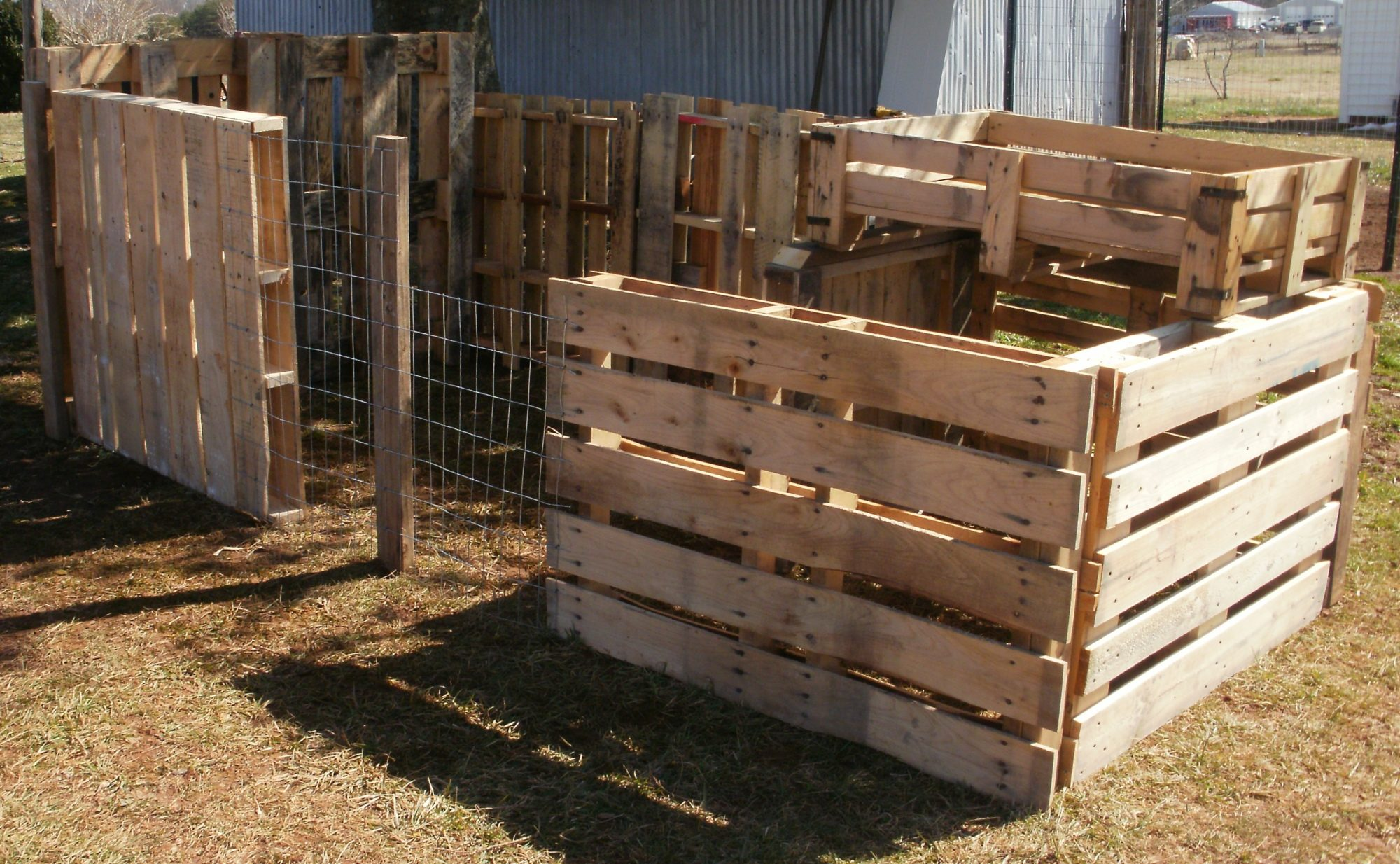 Pallet chicken coop backyard chickens community for How to build a chicken coop from wooden pallets