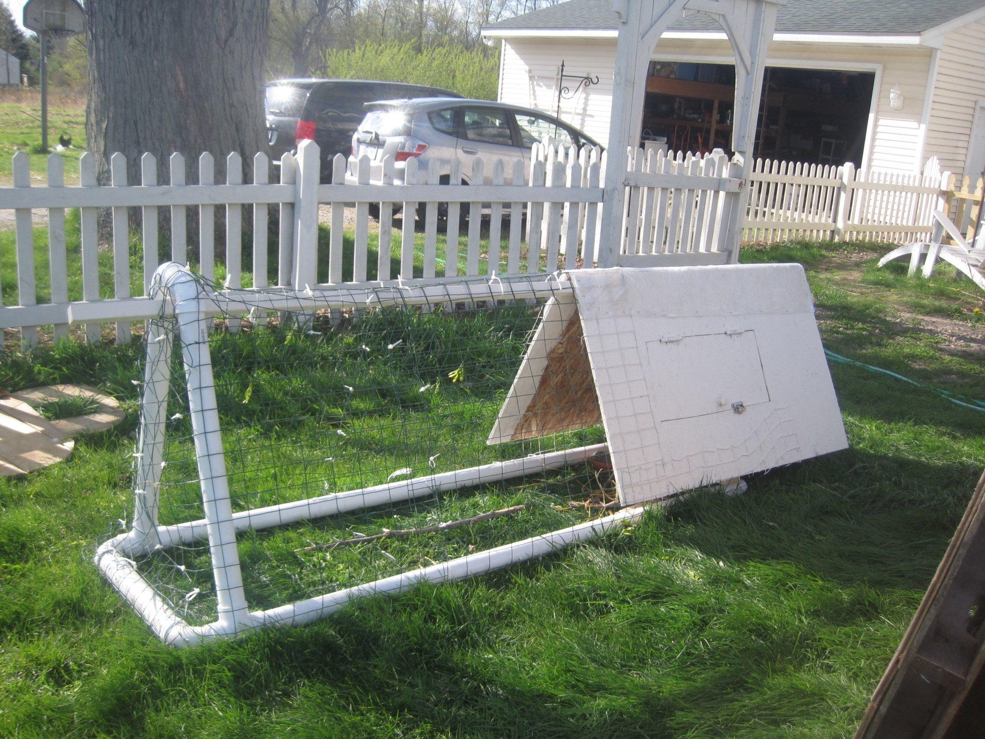 small chicken tractor design backyard chickens